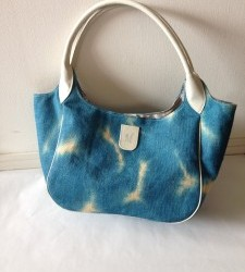I couldn't send this weblog for about 2 years. I'd like to start again. Please look at my original handmade bags for 2 years. Thankfully, there were all sold out. Please treat me from now on.